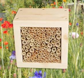 """Wildbienen / Insekten Nistblock """"Sanduhr"""", natur"""