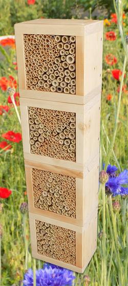 wildbienen-nistbloecke-natur-1-1218