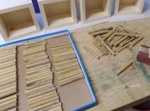 """Bambus-Nistülsen Rohlinge werden an der """"Eingangsseite"""" abgerundet und nach Durchmesser sortiert"""